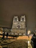 La nuit tombe à Notre-Dame